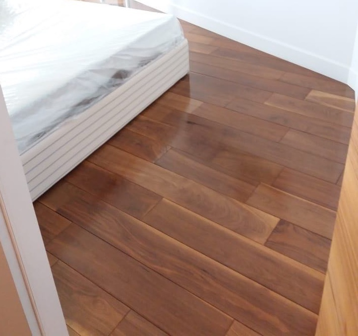 Laminate installation in Mississauga